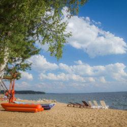 """Пляж парк-отеля """"Бухта Коприно"""""""